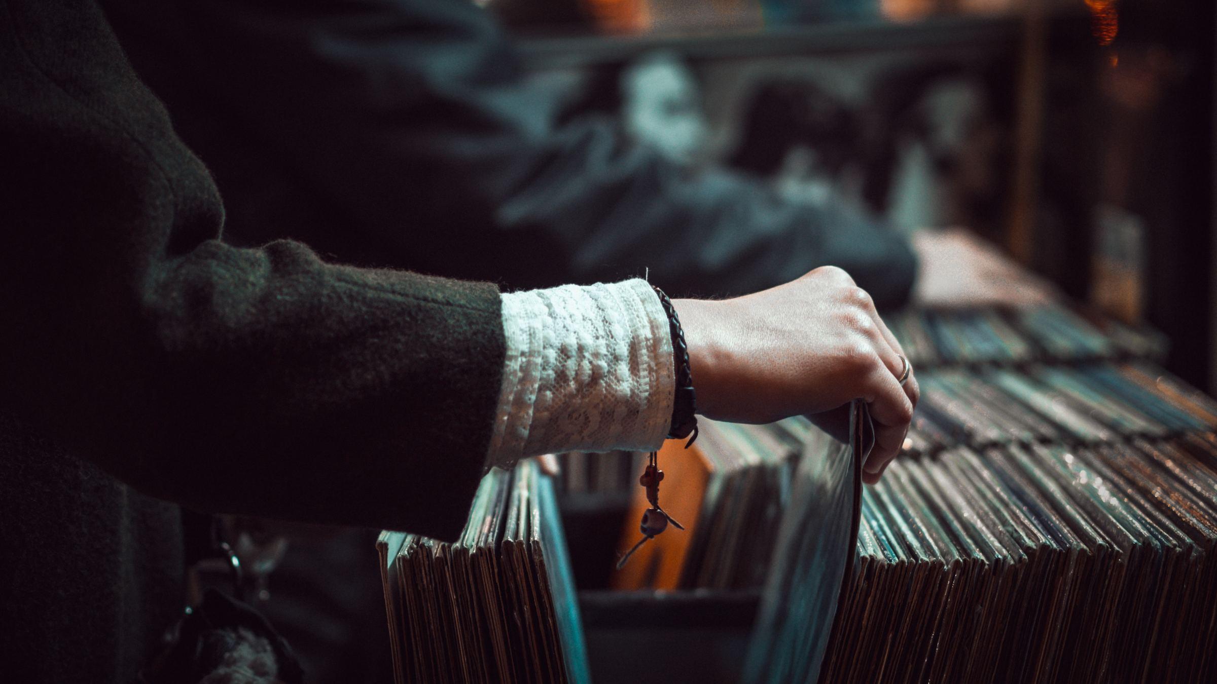Desktop records hands